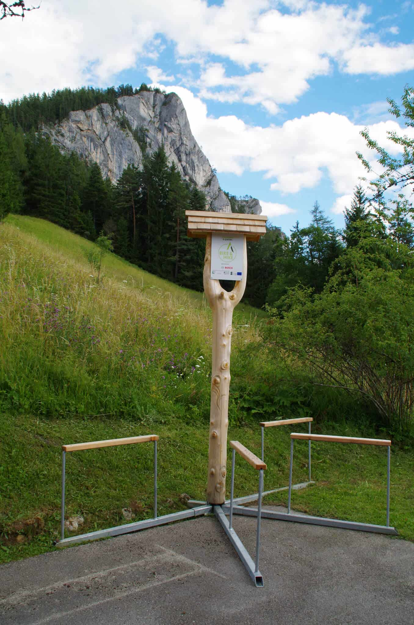 Tour Dachsteinblick Bike and Hike with bicycle battery charging station
